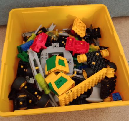 C20 : Lego Action Wheelers Space Station & Lego Action Wheelers Trucks