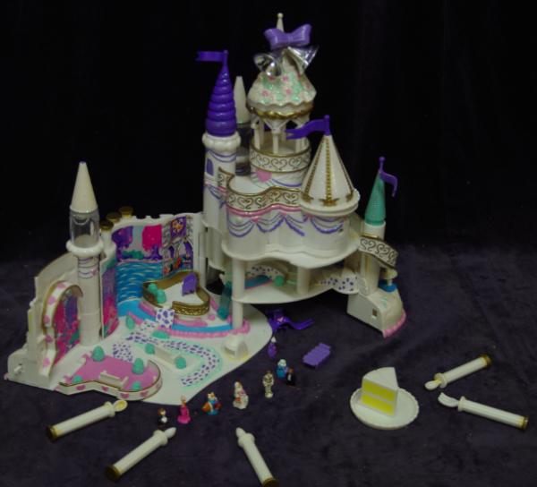 E19: Glitter Princess Castle