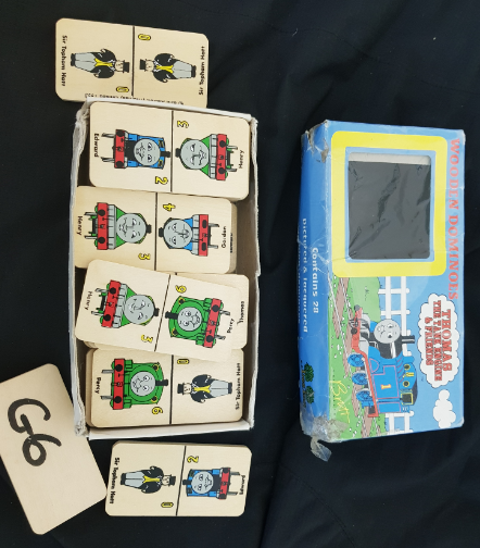 G06: Thomas the Tank Engine Wooden Dominoes