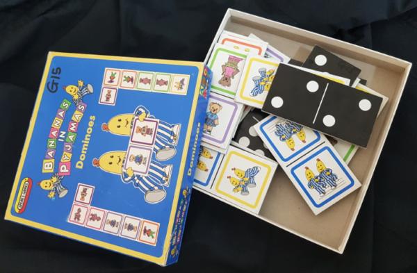 G15: Bananas in Pyjamas cardboard dominoes