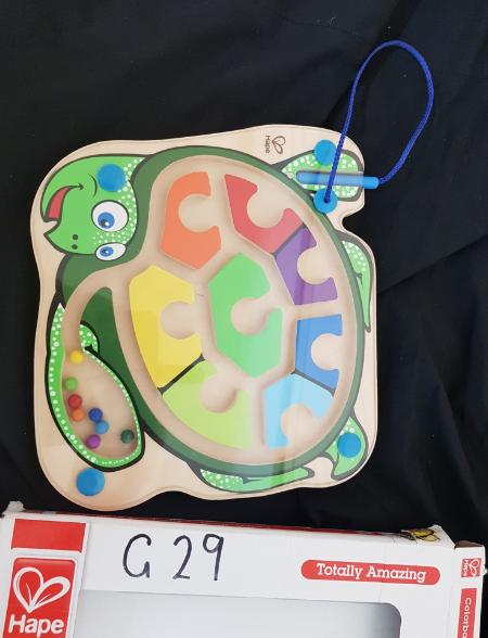 G29: Hape `Colorback Sea Turtle' (Magnetic Colour Marble Maze)