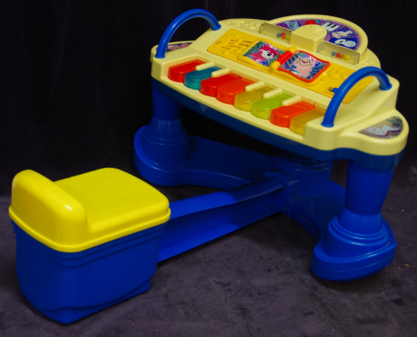 M12: Fisher Price sit down Piano