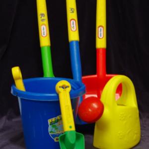 R01: Garden Tool Set