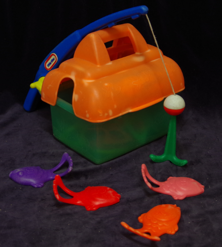 R05: Little Tikes Catch 'n' Count Fishing Set