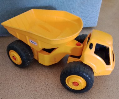 V09: Little Tikes Big Dump Truck