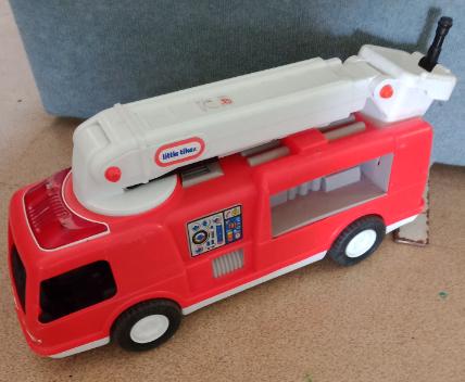 V14: Little Tikes Big Fire Truck