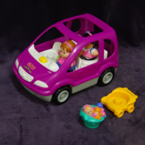 V27: Little People Vehicle, Mum & Baby