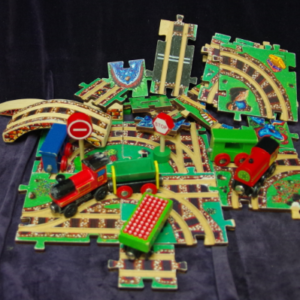 V30: Puzzle World Wooden Train Set (Melissa & Doug)
